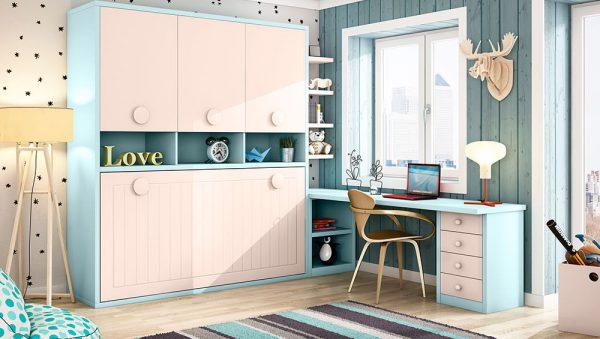 Dormitorio con cama abatible horizontal y armario
