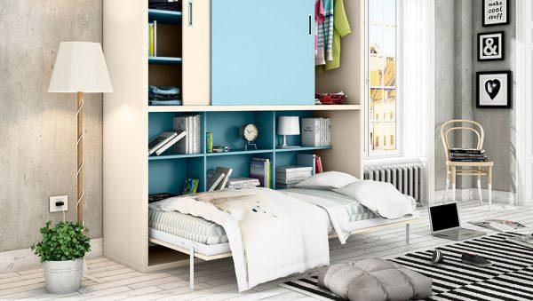 Dormitorio con cama abatible horizontal Mod. p&c kids con armario de puertas correderas.