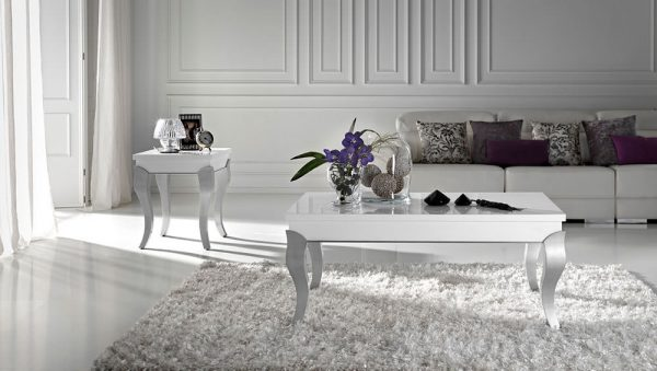 Mesa de centro clásica en color blanco
