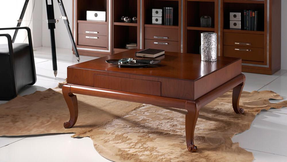 Mesa de caf tradicional en madera for Centros de mesa para oficina