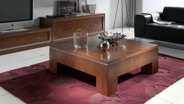 Mesa de centro clásica de madera