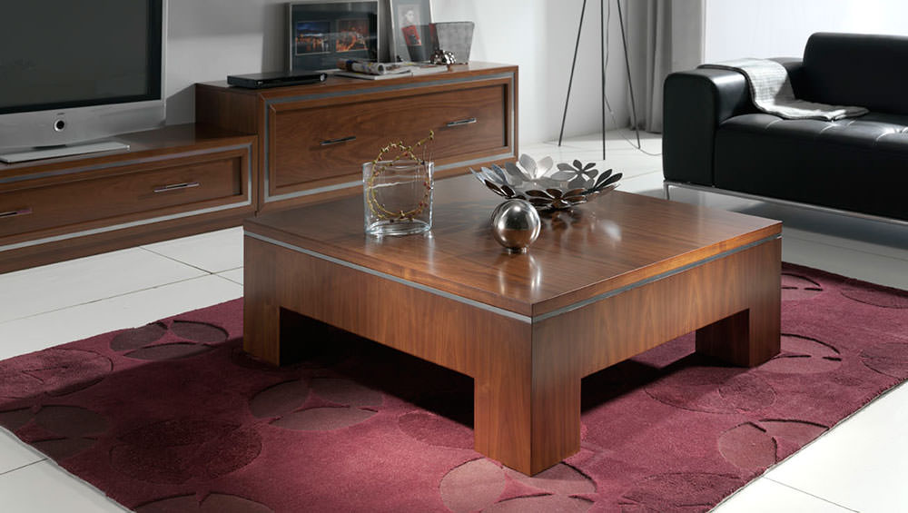 Mesa de centro cl sica de madera for Mesas para salon